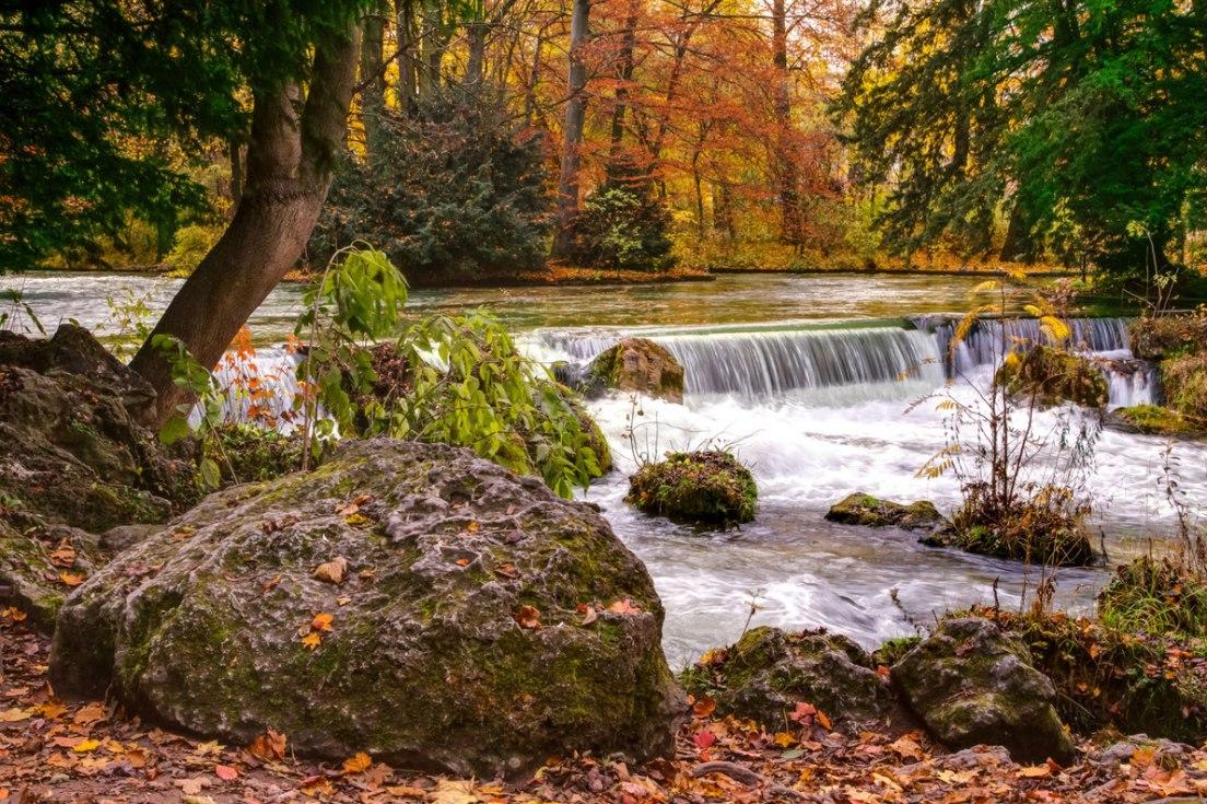 Englischer Garten, Μόναχο, Γερμανία Πηγή: https://www.europeanbestdestinations.com/top/best-city-parks-in-europe/ Copyright: sergio bertino