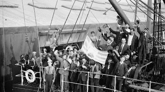 Φωτογραφία: http://hellasfrappe.blogspot.de/2013/03/greek-emigration-to-latin-america-1900.html